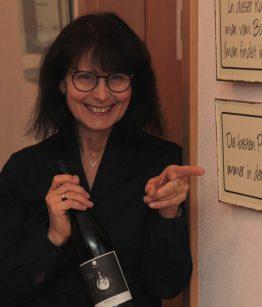 Sigrid Schubert in der WeinWerkstatt